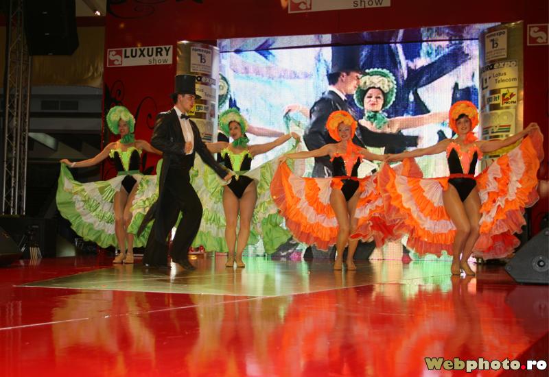 Crazy dancer dancing - 3 1