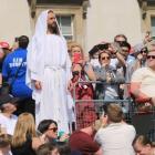 crowd Jesus