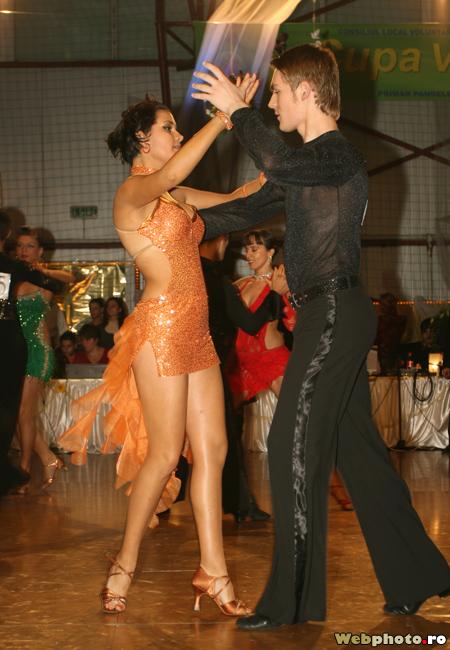 dansuri latino
