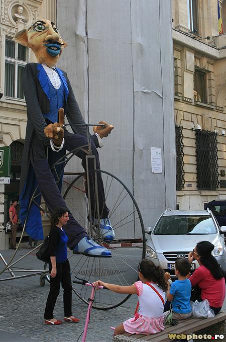 biciclist gigant
