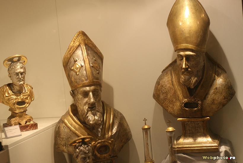 mitre papale