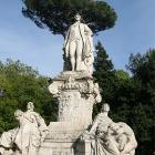 statue goethe