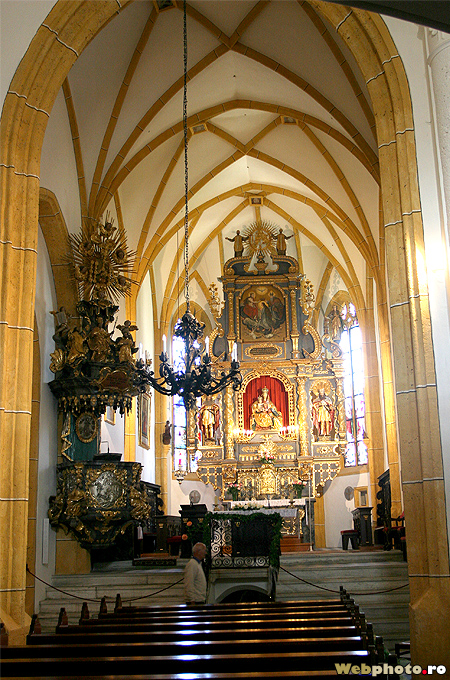 nava bisericii