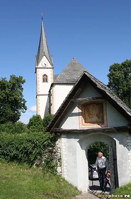poarta biserica