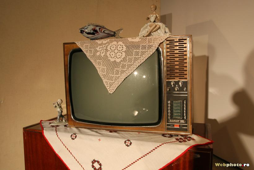 peste pe televizor