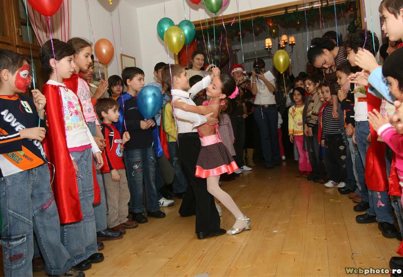 copii dansatori