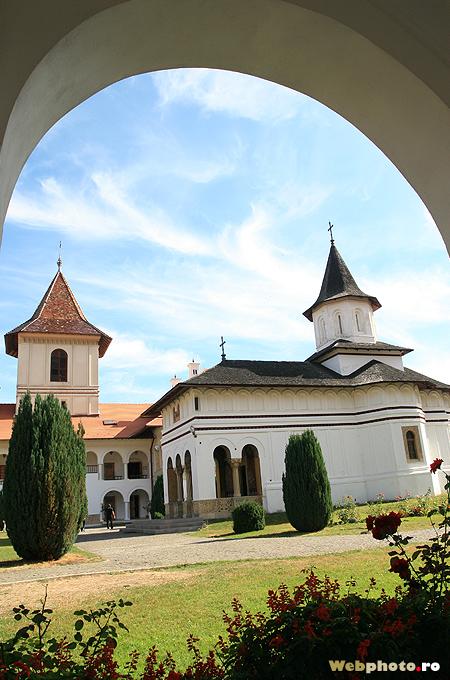 arcada biserica
