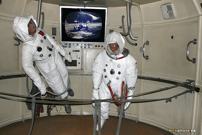 yuri gagarin and neil armstrong - photo #10