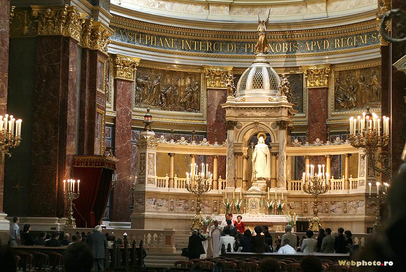 altar catolic