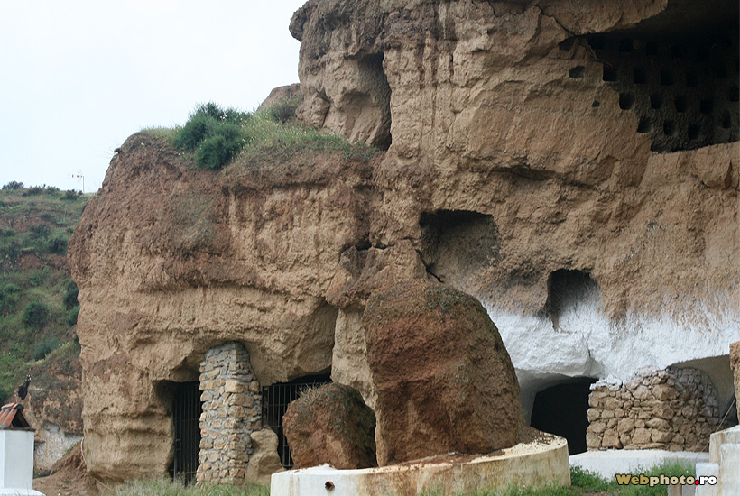Houses in the mud the troglodyte dwellings photo gallery for Architecture troglodyte