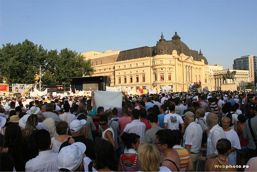 protest piata revolutiei