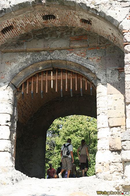 poarta castel