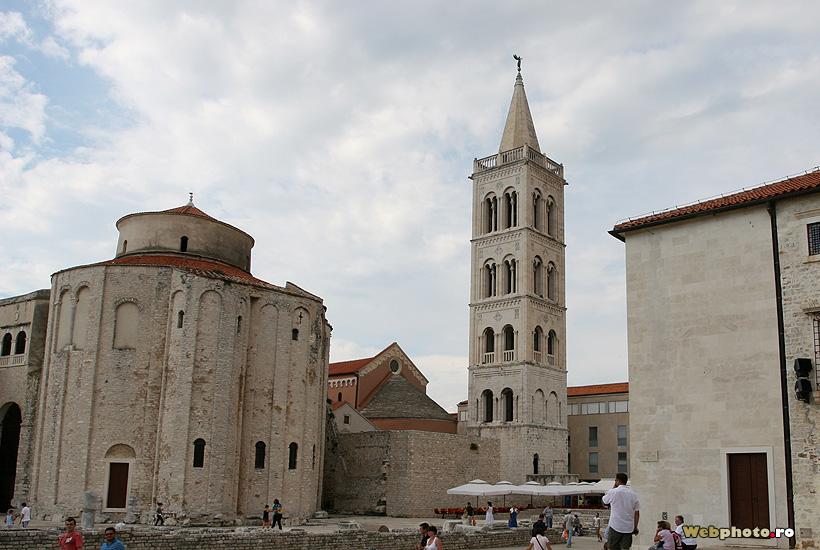 biserica stil romanic